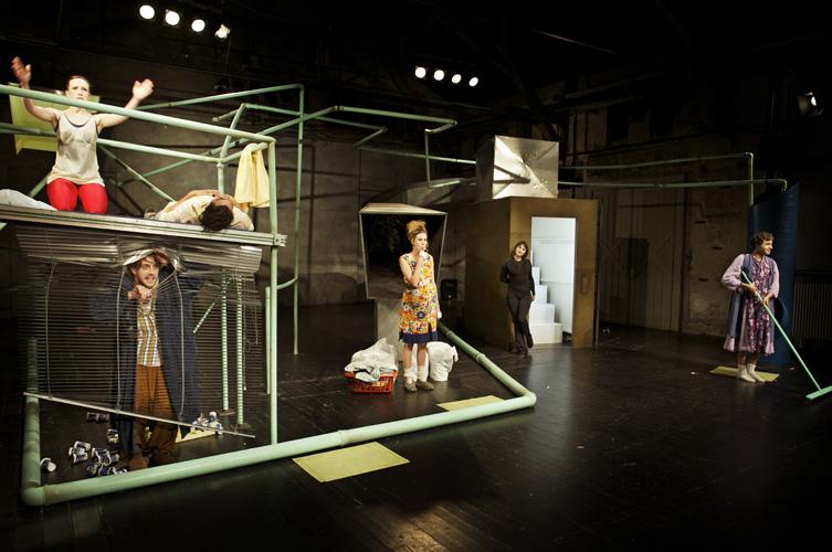 Theater Konstanz – Die Vorläufigen von IVNA ZIC, REGIE: CHRISTINE EDER